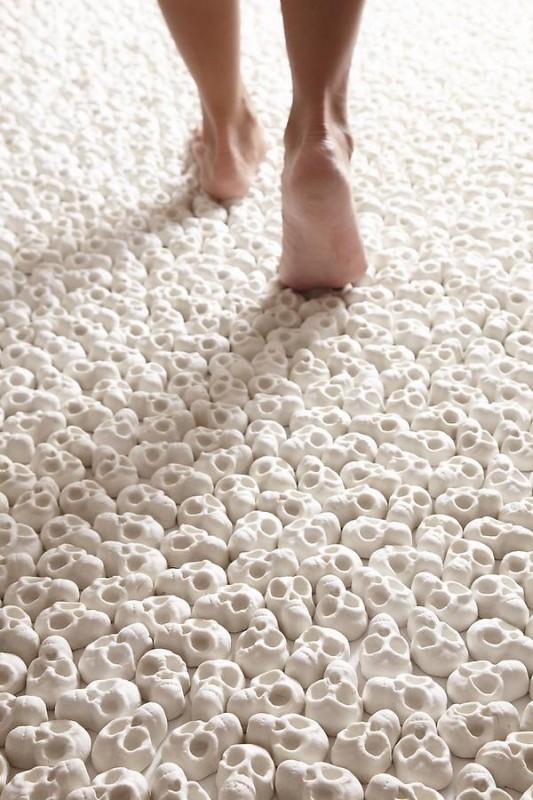 100.000 de Cranii de portelan in miniatura