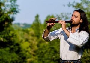 Artiștii români Mihai Toma și Hot Casandra, pe ultima compilație Buddha Bar